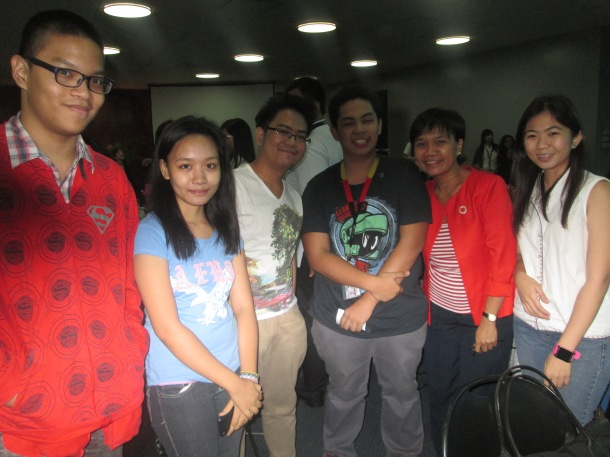 TMTC students with Malou Mangahas