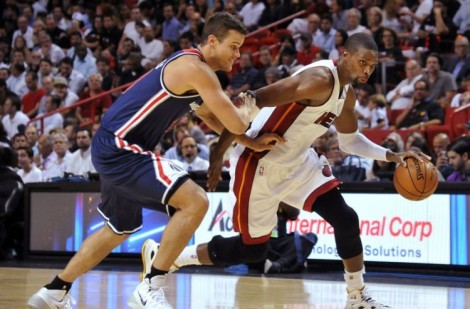 Chris Bosh blows by Wizards defense